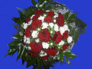 Bukiet ślubny białe margaretki czerwona róża