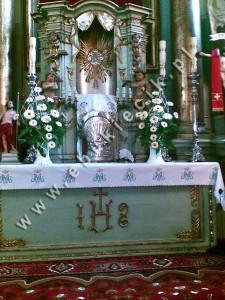 Dekoracja Kościoła - białe gerbery