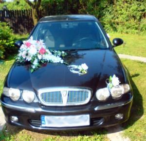 Wynajem i dekoracja samochodu na ślub