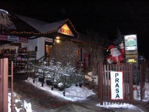 Kwiaciarnia Bukiecik, zima, choinki i śnieg